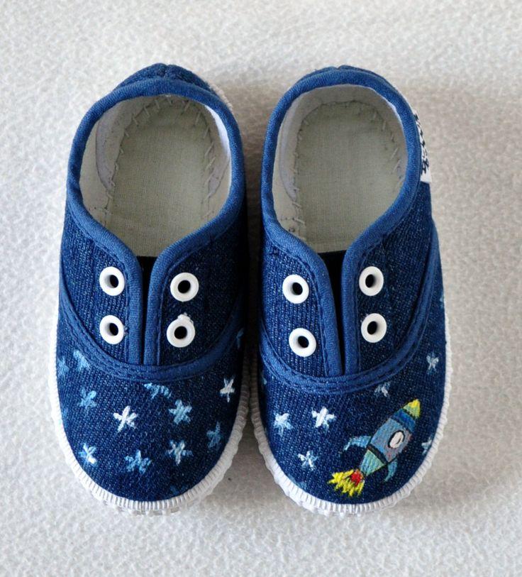 """Zapatillas """"Espacio""""."""