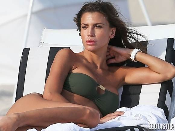 Claudia Galanti – At age 31, Claudia Galanti rocks the beach in her stunning array of bikinis. With a beautiful extremely fit bikini body, her gorgeous girl next door look, and dazzling smile is enough to brighten anyone's day.....Read More + Pics