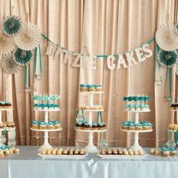 Retro Wedding (Image via Ditzie Cakes)