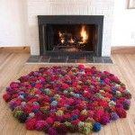 Alfombra hecha con Pompones de lana