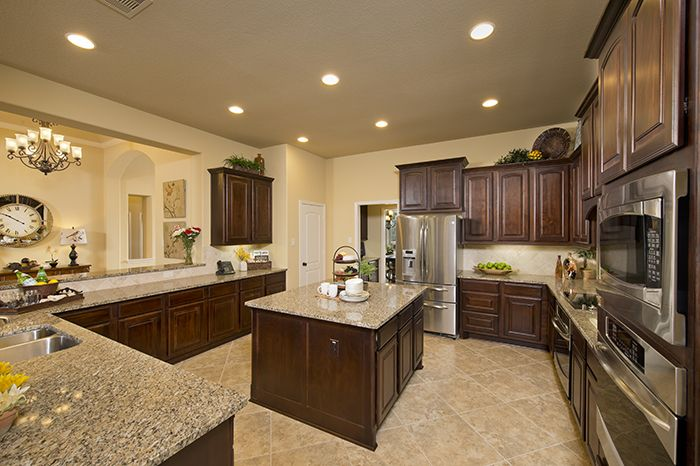 Perryhomes kitchen design 3714w gorgeous kitchens for Model kitchen