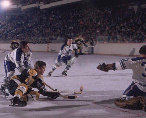 Great shot of Orr and the Leafs