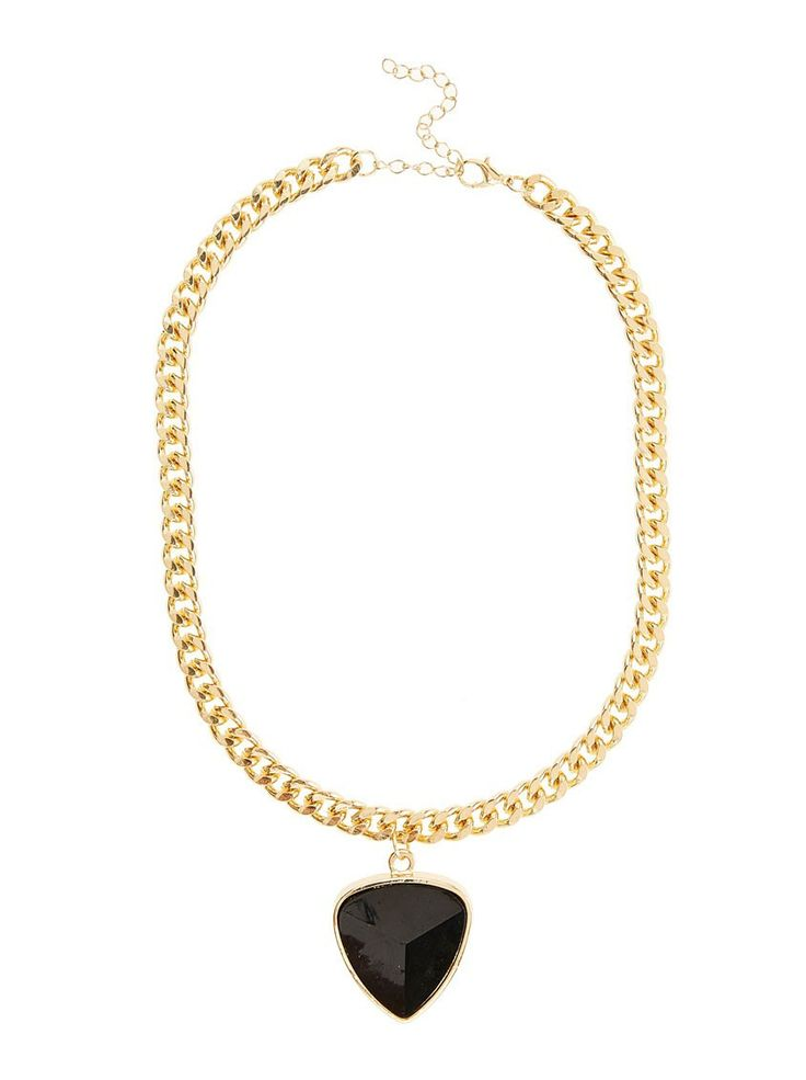 Chunky pendant necklace | Big and bold jewellery are very trendy this season and a necklace can effortlessly update a look in an instant. This chunky black pendant necklace is a beautiful statement piece and just what you need to add a touch of chic to your office attire.