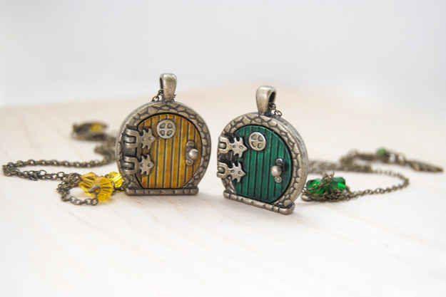 Sam and Frodo Hobbit Door Necklaces @sophiasturges!!!
