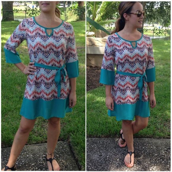 🔻clearance🔻tunic dress💞 3/4 sleeve print & JADE colorblock dress with tie. Wear as a dress or tunic over your favorite jeans/leggings. Small (2/4) Medium (6/8) Large (10/12) - PRICE is firm unless bundling - no trades. Thank you 💞 Dresses