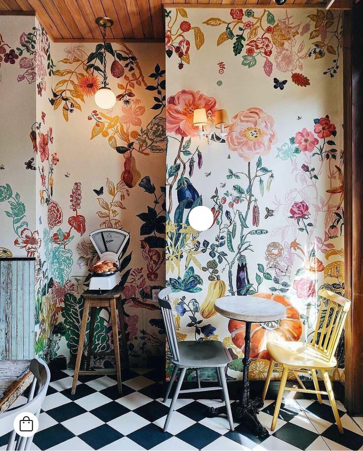 I need these walls. They are gorgeous!