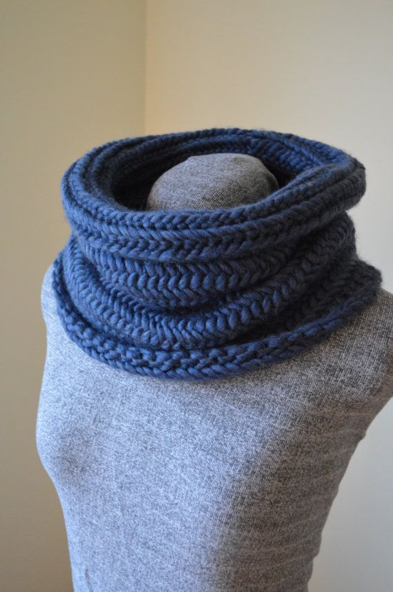Kingfisher Cowl by Aase Angoras on Etsy