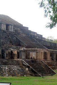 Sitios Arqueológicos de El Salvador: El Tazumal ( CHalchuapa, Santa Ana)
