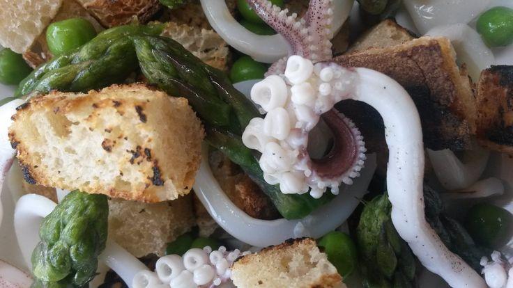 Una ricetta povera rivisitata tra mare e terra http://www.ditestaedigola.com/pancotto-mare-terra/