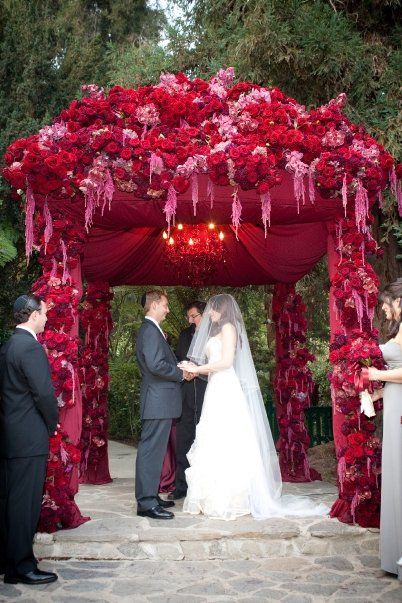 -Stunning Pink & Red Wedding Chuppah