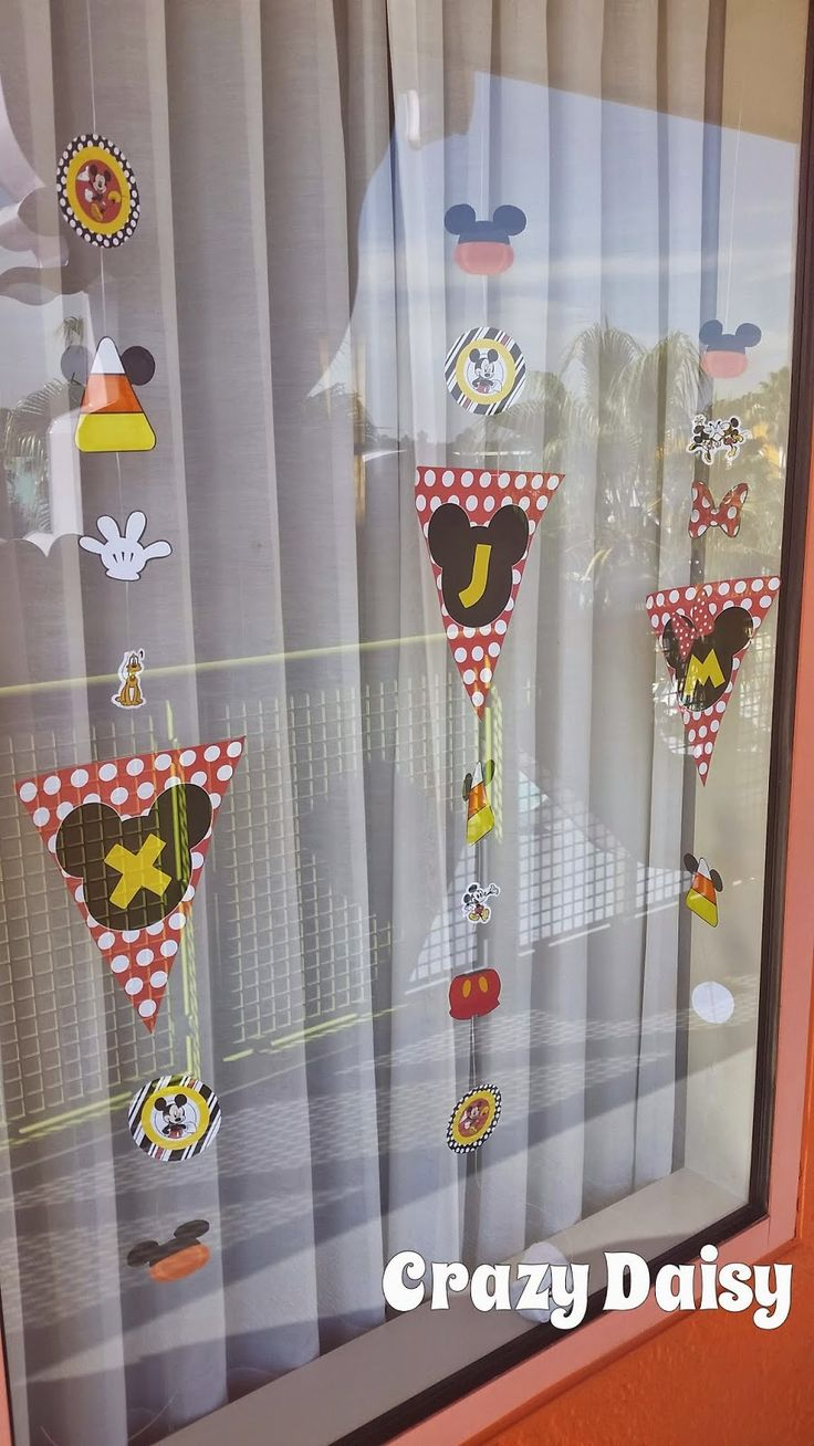 Window Decoration Best 20 Disney Window Decoration Ideas On Pinterest Disney