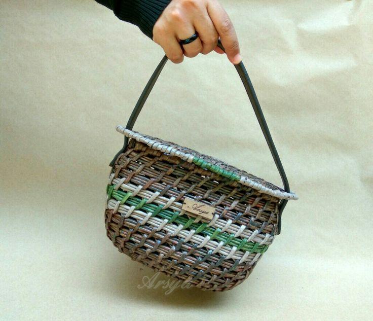 Tas tangan, handbag, newspaper work, anyaman kertas, tas etnik