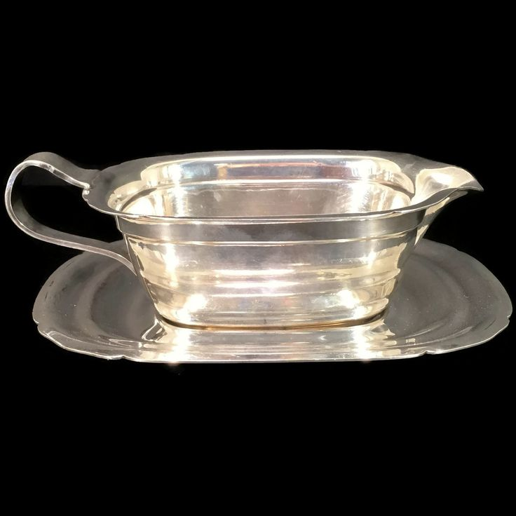 New to Revendeur on Etsy: Silver Gravy Boat with Underplot -- Reed and Barton Silver-plated Saucier -- Mayflower Pattern -- Midcentury Gravy Boat -- GW0425 (24.00 USD)