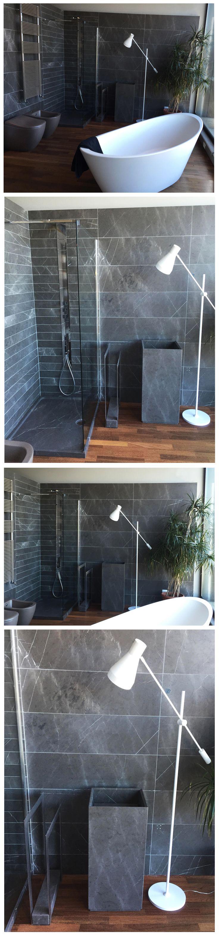 Soluzione #arredamento #bagno in #pietra naturale grigio venato: rivestimento #pareti - piatto #doccia PIATTO www.signweb.it/prodotti/piatto-2/ - #lavabo TESO www.signweb.it/prodotti/teso/ - porta salviette FOGLIO www.signweb.it/prodotti/foglio-2/. #Vasca ORIGINE in Astone www.signweb.it/prodotti/origine-3/. __ Showroom CANAVESI - Tradate (VA)