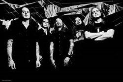 Шведская мелодик-дэт метал группа AtThe Gatesофициально объявила об уходе из группы гитариста Андерса Бьёрлера. Сам музыкант заявил, что его «страсть исчезла». Тем не менее, культовая метал-формация уже приступила к работе над новым альбомом. «Теперь мы официально