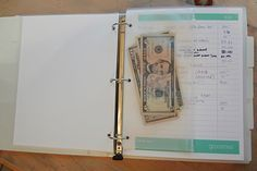 Budget Binder... this is a great idea, would take SO much discipline though!