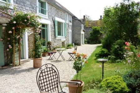 Au plaisir du Livre, chambres d'hôtes à Arbonne-la-Forêt, en Seine-et-Marne