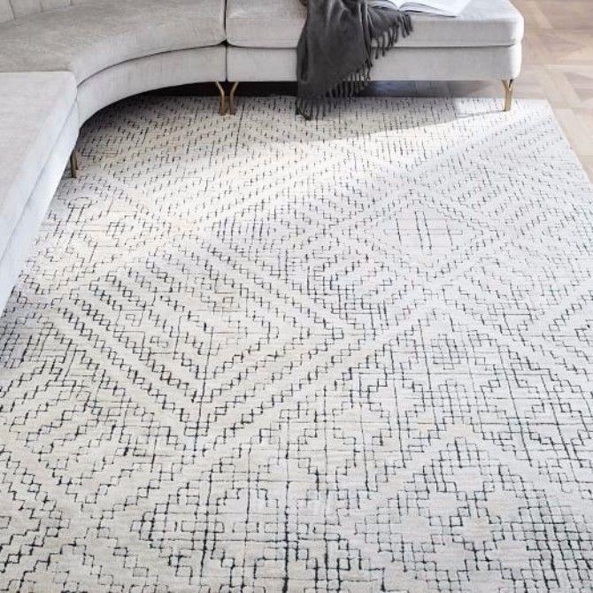 HOW TO PICK THE RIGHT MODERN RUGS FOR YOUR SPACE > Looking for modern rugs to enhance your design? | modern rugs |  interior design | wool rugs #contemporaryrugs #designerrugs #designbrands Read more: http://www.contemporaryrugs.eu/pick-right-modern-rugs-space/