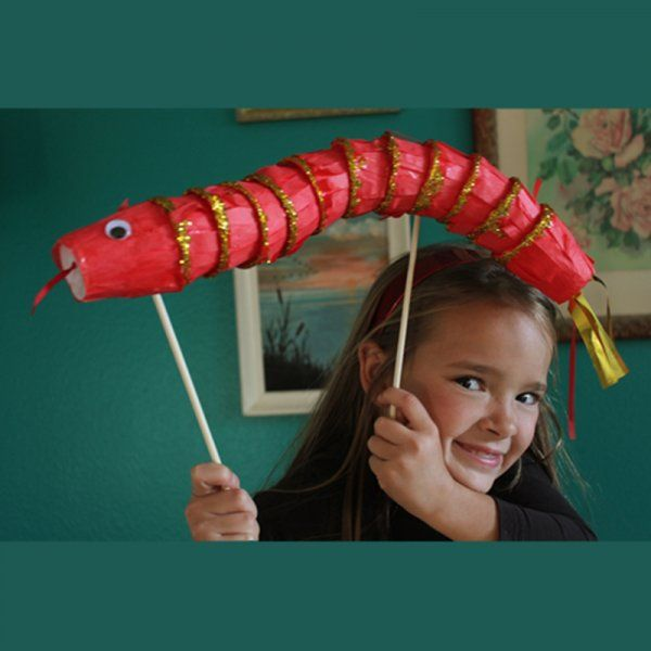 Un dragon en gobelets / a dragon puppet for children
