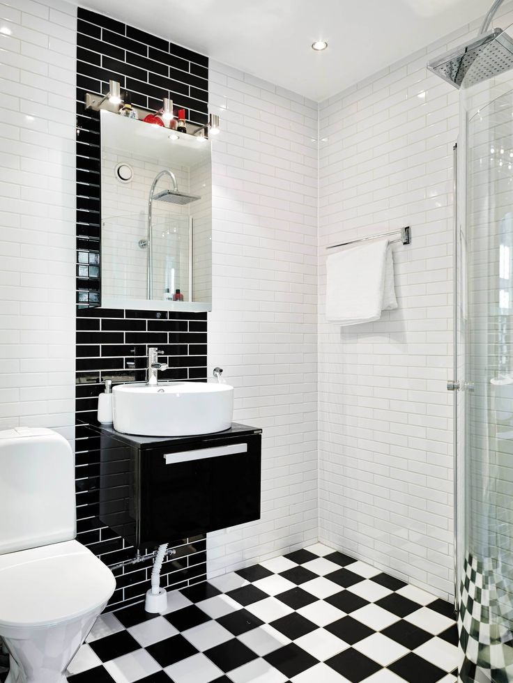 Beautiful black + white bathroom inspiration
