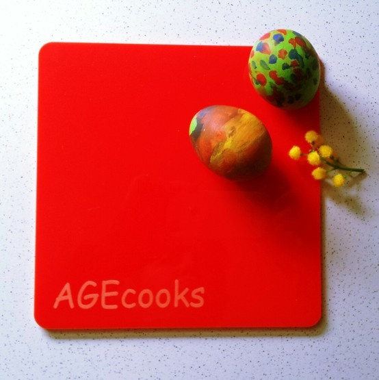 plexi AGEcooks cutting boards for children in Easter