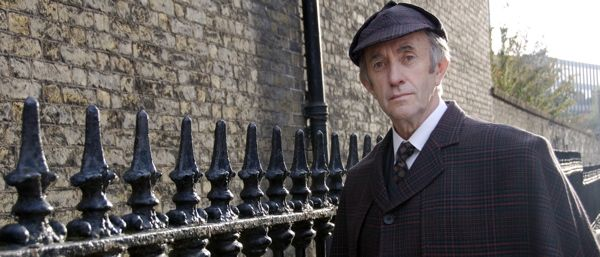 """Jonathan Pryce, playing old-Holmes in a a movie aimed for a younger audience: """"The Baker Street Irregulars"""". Very charming."""