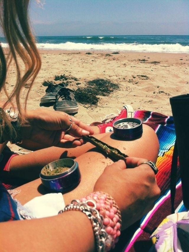 420  herb  weed  marijuana  cannabis  maryjane  pot  stoner  love  life  stressreliever  anxietykiller  allnatural  goodstuff  blunts  joints  bones  education