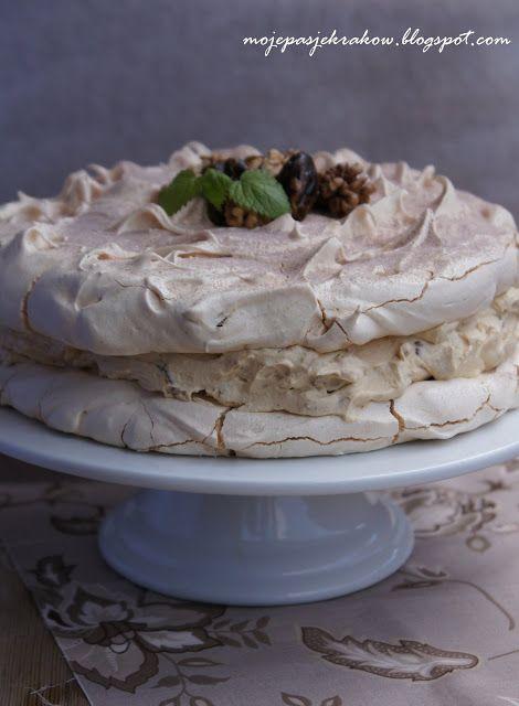 moje pasje: Tort dacquoise z orzechami i daktylami