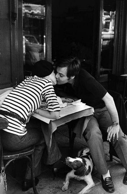 Le Baiser du Quartier Latin de Henri Cartier-Bresson