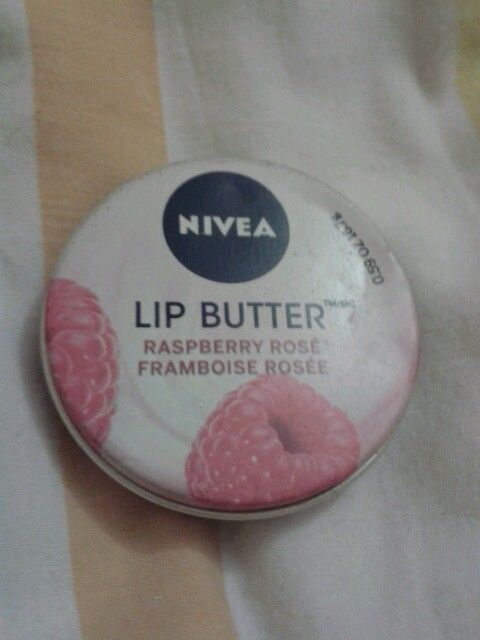 Nivea lip butter rasbery rose