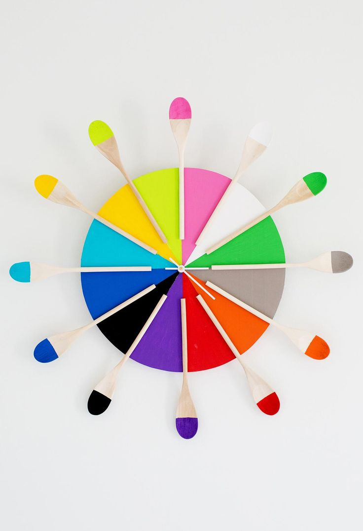 Clorful Kitchen wall clock upplies:clock kitwooden round12 wooden spoonsprimer,craft paint painter's tapepaint brushesKrazy Glue