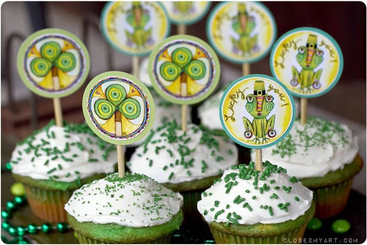 michelle my belle: st. patrick's day cupcake toppers (free)!