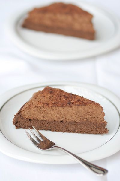 Flourless chocolate mousse cake, kosher for Passover/kasher le Pesach