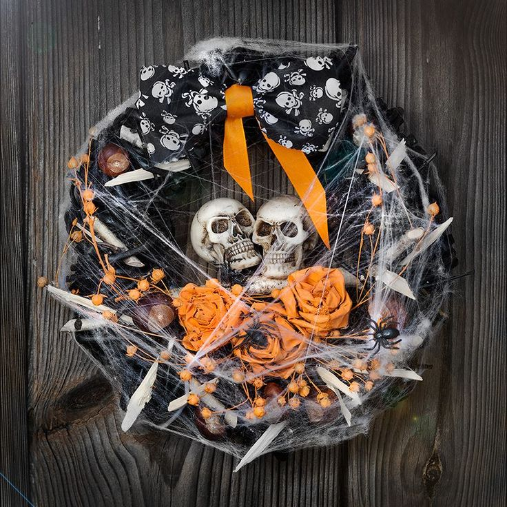 halloween wreath facebook.com/farsz