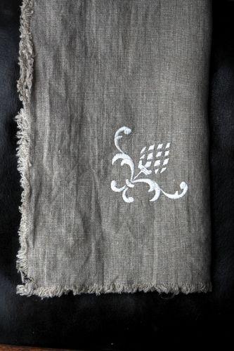 #LinenWay #Napkin #Linen #Linen Napkin #Embroidery #Embroidered napkin #Embroidered Linen Napkin #Stone-Washed Napkin #Stone-Washed Linen