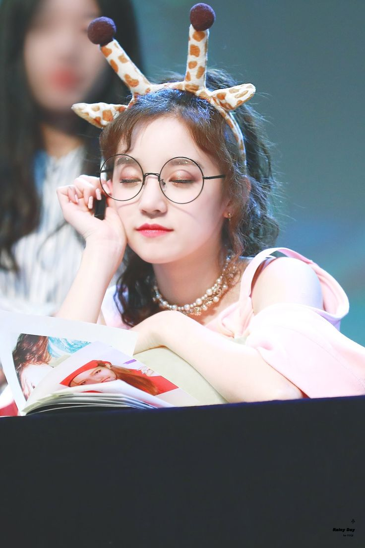 Pin on Yuqi (G)IDLE