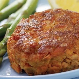 OLD BAY Classic Salmon Cakes