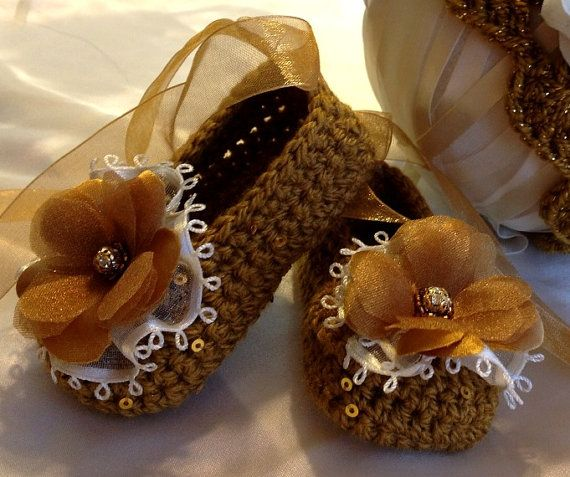 Crochet Baby Booties and Hat in Gold ❤ by TippyToesBabyDesigns, $40.00
