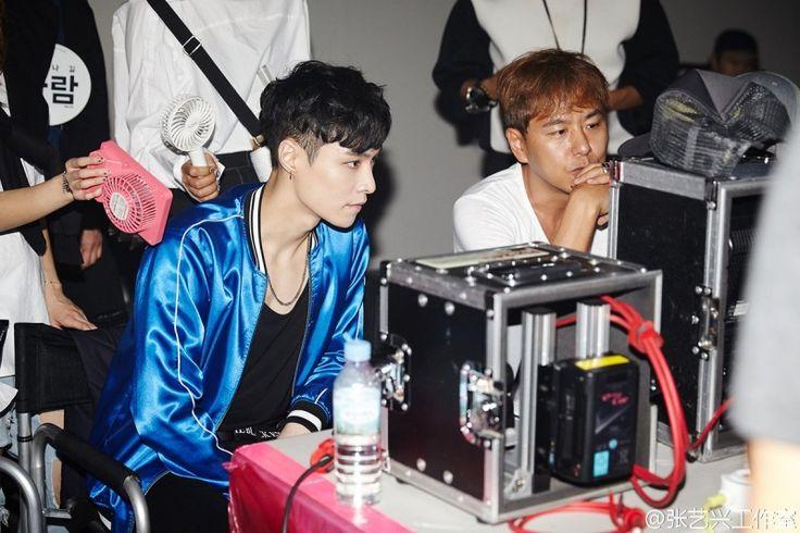 Lay fanouškům slíbil, že společně oslaví jeho narozeniny písní, proto také vydal MV What U Need?, která je stejně lahodná jako pořádný narozeninový dort. Dejte si jí pořádný kus!