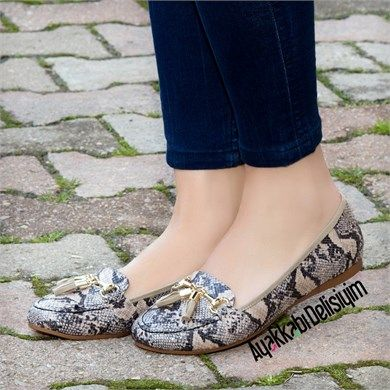 Mistel Yılan Bej Rengi Şık Babet Ayakkabı #flat #shoes