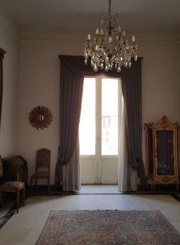 Il fascino dell'antico in un'elegante appartamento al centro di Caserta