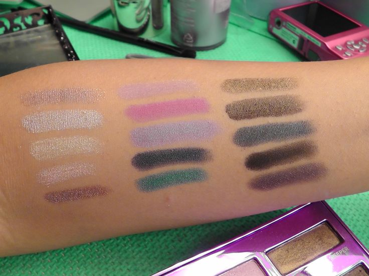 URBAN DECAY SHADOW SWATCHES