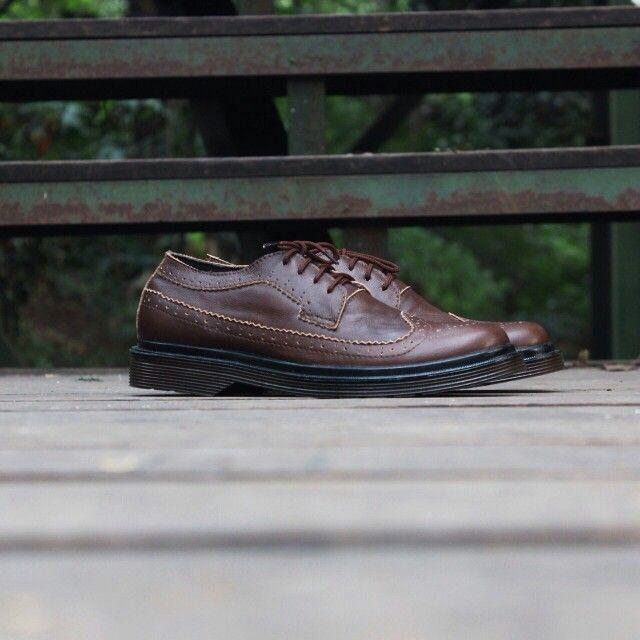 Pre order sepatu kulit handmade cibaduyut Pengerjaan 7-10 hari IDR 270k More info bbm: 5518CBC9 or WA : 08562070423