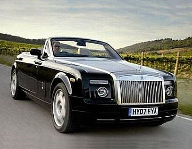 Luxe Coupe: The unique Rolls-Royce Phantom Drophead coupe is worth $ 1.6 million.