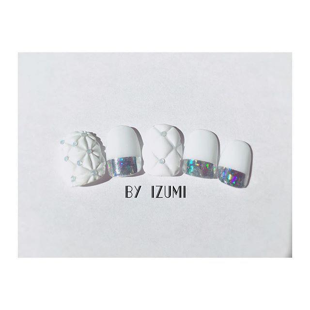 GISELe 搭載デザイン✨ モコモコファブリックNAIL これからの季節に #nail#nailart#nailartist#nails#handpint#handpinted#izumi_maeda#izuminail#nailsbyizumi#GISELe#GISELe12月号#salondesadam#salondesadamnail#ネイル#ネイルアート#モコモコネイル#ファブリックネイル#メタリックネイル#雑誌