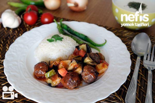 Köfteli Patlıcan Yemeği Tarifi (Videolu)