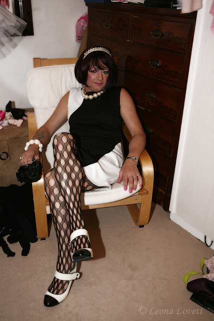 This 60's style look was created with a dress brought from 'pretty Girl' Lodz Poland with a white jewel hairband black fashion tights from a small shop in central Sydney and black and white shoes from good old Matalan in the UK! A rather large pearl  The New Puma Men's Osu Nm Running Shoe