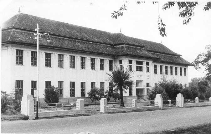 Bandung Tempo Dulu - full of pic | Kaskus - The Largest Indonesian Community. SMA SANTA ANGELA BANDUNG