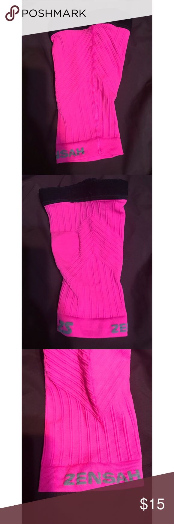 Zensah Compression Shin Sleeve- S/M New without the box  Zensah Compression Shin Sleeve is a first of its kind in terms of performance and comfort. The dual action compression shin sleeve is designed with direct input from athletic trainers to the pros. *Sold as a single unit - i.e. one sleeve  Shin Splint Relief Moisture Wicking and Ultimate Comfort Improved Circulation and Faster Muscle Recovery Calf Support and Injury Prevention Zensah Accessories