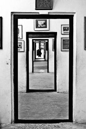 Reisfotografie zwart-wit museum Udaipur India. Foto door Marijke Krekels fotografie